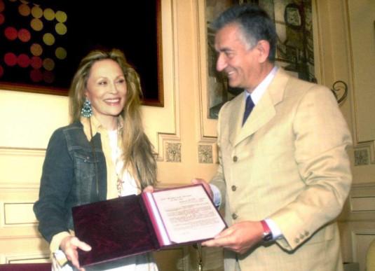 Faye D con Alberto Rodríguez Saá