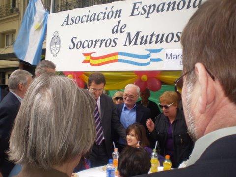 Buenos Aires celebra, España festeja. En la Avenida de Mayo, la Gran Vía de Buenos Aires, se realizó  la gran Verbena del Día de la Constitución Española