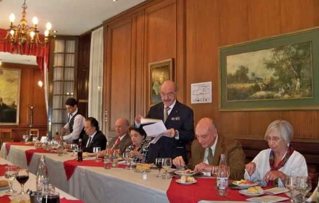 En la reunión del Rotary Club de Palermo, Washington Illescas se refirió a la educación y a la juventud en el mes de la alfabetización.