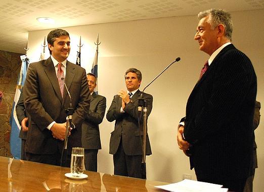 """El gobernador de San Luis, Alberto Rodríguez Saá puso en funciones al ministro """"Jefe de Gabinete, Claudio Poggi""""."""