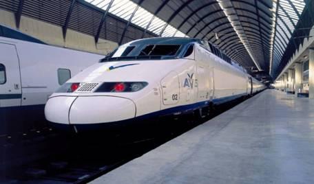 Viaje por España en la red de trenes AVE a menor precio