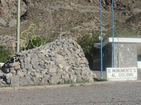 El Ministro de Turismo Enrique Meyer confirmó que una etapa del Tour de France se correrá en Argentina
