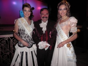 Reina y virreina de la Fiesta del Sol y el actor Edgardo Mendoza