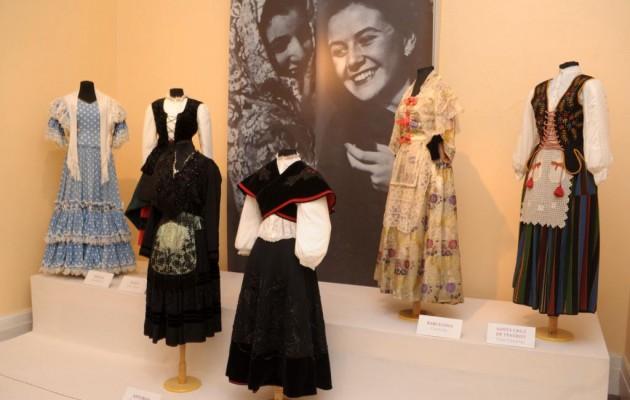 Evita y los trajes del pueblo español en el Museo Larreta
