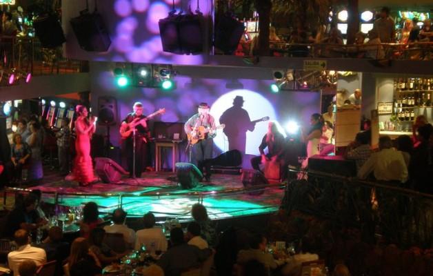 Los Bandoleiros y la música flamenca al estilo de los Gipsy Kings
