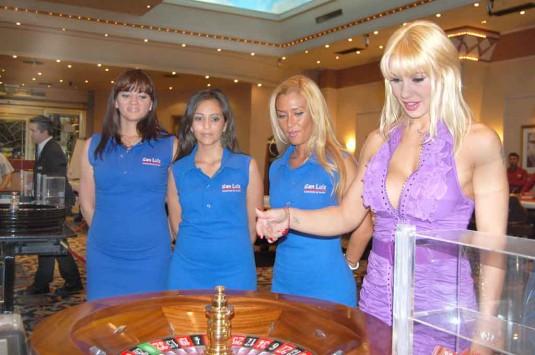 Mónica Farro. Casino Flamingo