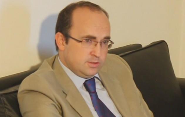 Entrevista a Don Julio Olmos, consejero de Trabajo e Inmigración de la Embajada de España – Parte I