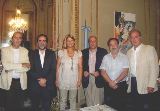 (izq.a derecha) Jorge Coscia, secretario de Cultura de la Nación, y Cecilia Luberriaga, Ministro de Turismo y las Culturas de San Luis