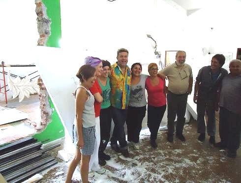 """Milton Cunha, durante su visita a la carroza """"Los Carnavales del Mundo"""" de Villa Mercedes"""