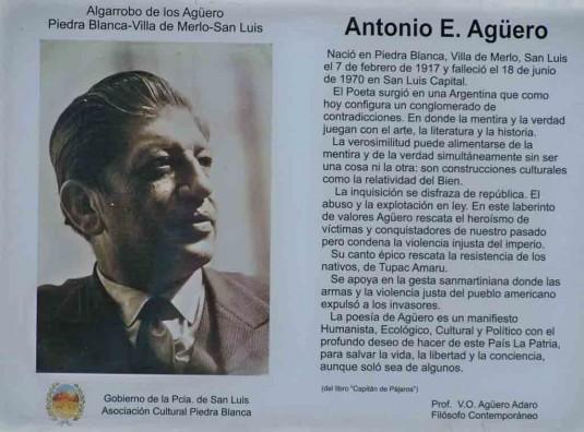Placa dedicada a Esteban Agüero