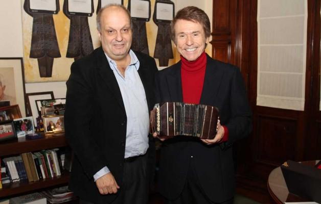 Raphael fue distinguido por el Ministro de Cultura porteño