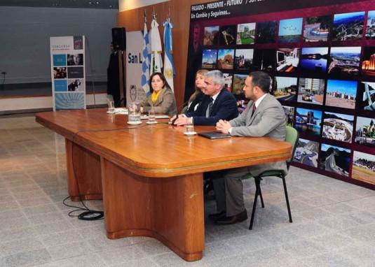 Cecilia Luberriaga, Ministro de Turismo y las Culturas, Teresa Nigra Ministro de Salud , Marcelo Sosa, Ministro de Educación  y  Vicegobernador de San Luis Jorge Díaz