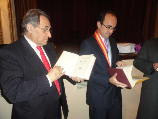 Pablo Barrios, Cónsul General de España en Buenos Aires, Julio Olmos, Consejero de Empleo y Seguridad Social de la Embajada de España