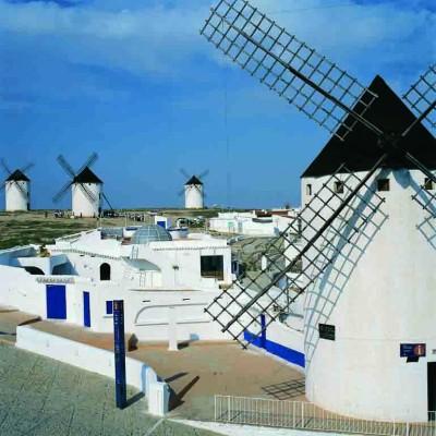 Castilla La Mancha. Campo de Criptana. CR Molinos de Viento