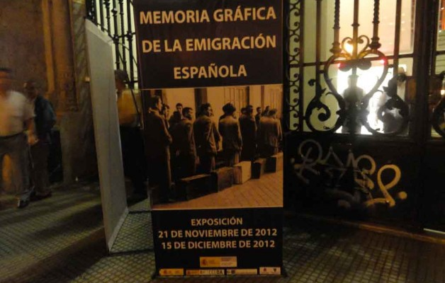 Memoria Gráfica de la Emigración se expuso en la Sociedad Patriótica y Cultural Española