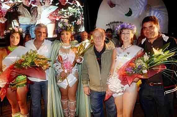 Vicegobernador, Ing. Jorge Díaz, Intendente Mario Raul Merlo, funcionarios y reina y princesas del Carnaval 2013