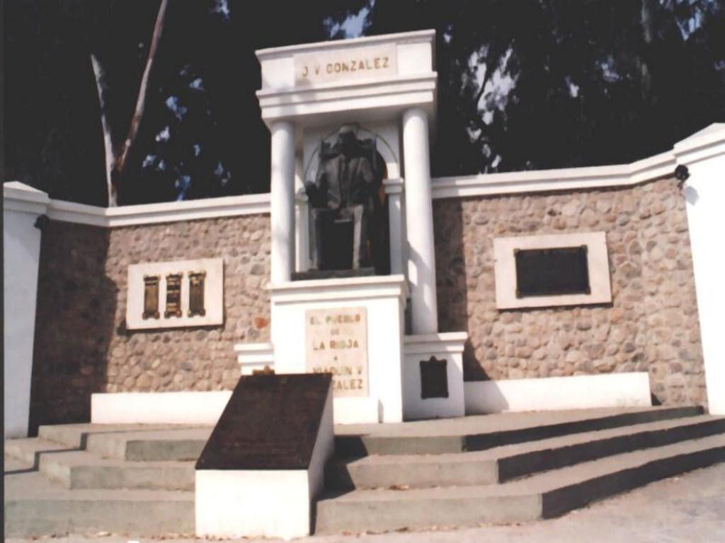 Monumento a J.V. González. La Rioja