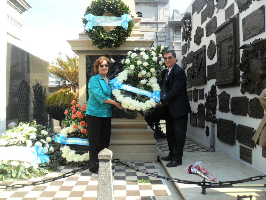 Prof. Margarita Ferrá de Bartol  y el Dr. Daniel Tomas