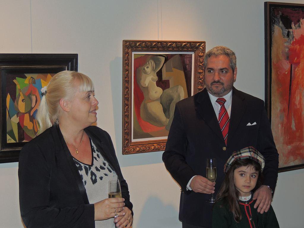 Sandra de los Ángeles Juárez, directora ejecutiva y Bernardo Quevedo Borde, curador de la muestra