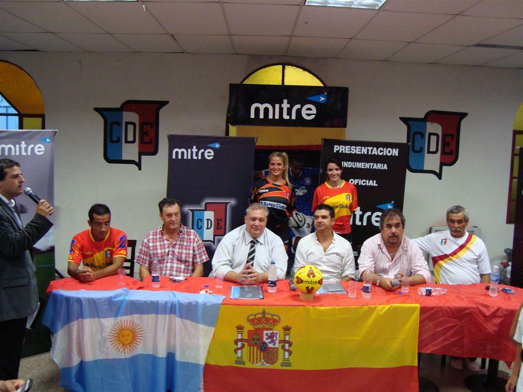Autoridades de Deportivo Español y Mitre