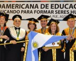 Lina Mundet, Rectora del Instituto Mallea, fue premiada en Puebla, México, por su actividad académica