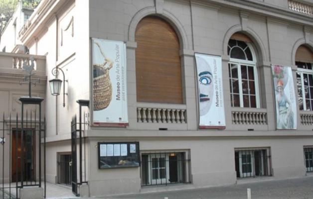El Museo de Arte Popular José Hernández dicta el taller de filete porteño