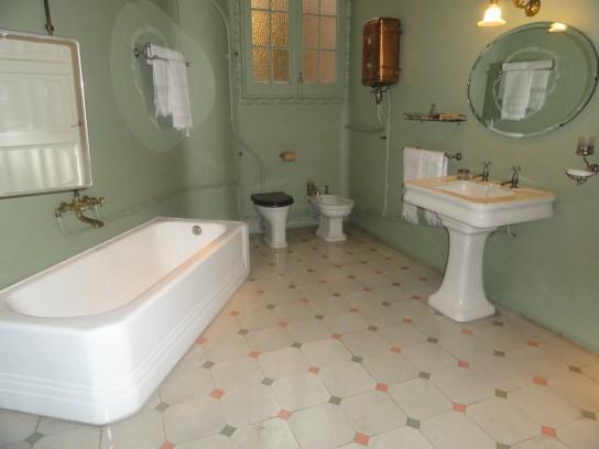 La Pedrera. Salón de baño