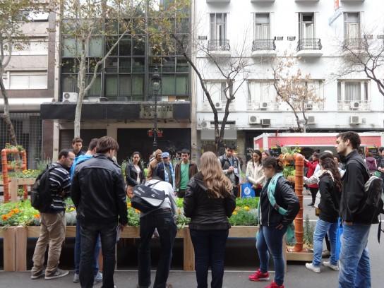 Ambiente Sustentable - Facundo Reyes pro Huertas en Av de  Mayo