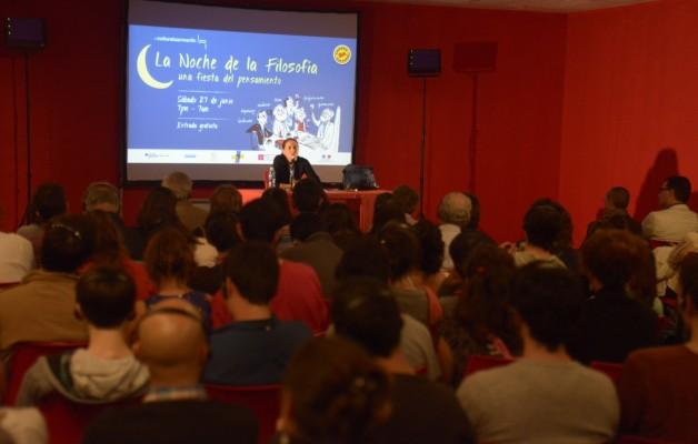 La Noche de la Filosofía, se realizó en el Centro Cultural San Martín