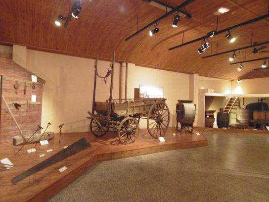Museo Histórico Regional de la Colonia San José. Carreta en el Museo