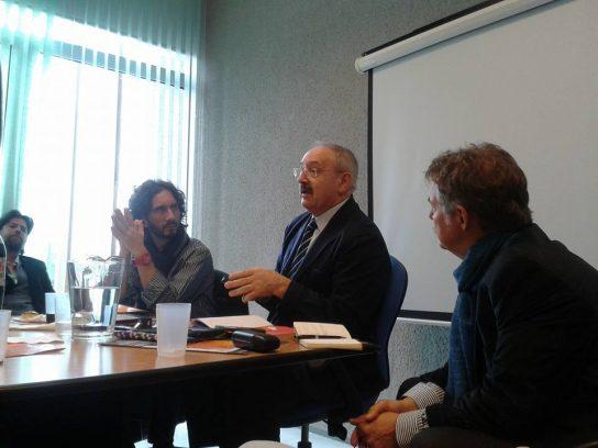 Conferencia de Ramón Villares, el 27-IV-16, en el Campus de la UNSAM: de izquierda a derecha, Ruy Farías, Ramón Villares, Mario Greco