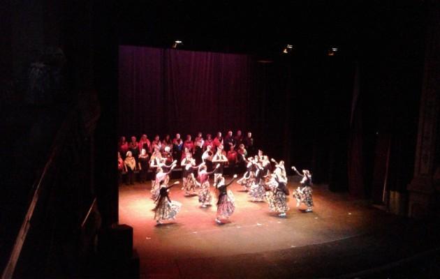 El Centro Galicia de Buenos Aires presentó el Festival de Fin de Año en el Teatro Avenida
