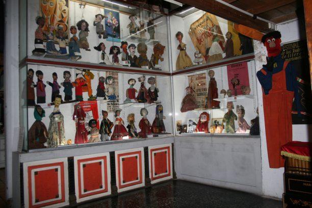 Museo del Títere. Vitrina