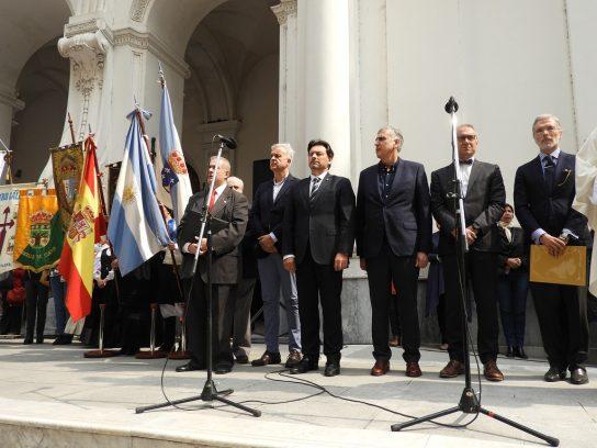 El Cruceiro Gallego fue entronizado en la Iglesia de San Ignacio de Loyola