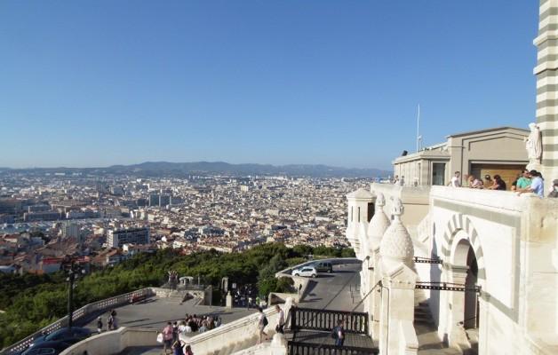 Le petit train, un paseo distinto por Marseille para llegar a Notre Dame de la Garde