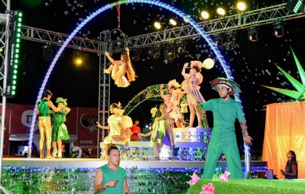 La Fiesta Nacional del Sol abrió las puertas del Complejo Ferial en una noche inolvidable