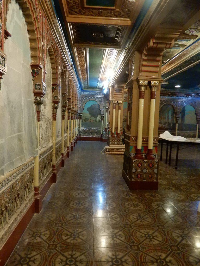 """El Club Español de Buenos Aires atesora el """"Salón de la Alhambra"""", una expresión del arte mozárabe"""