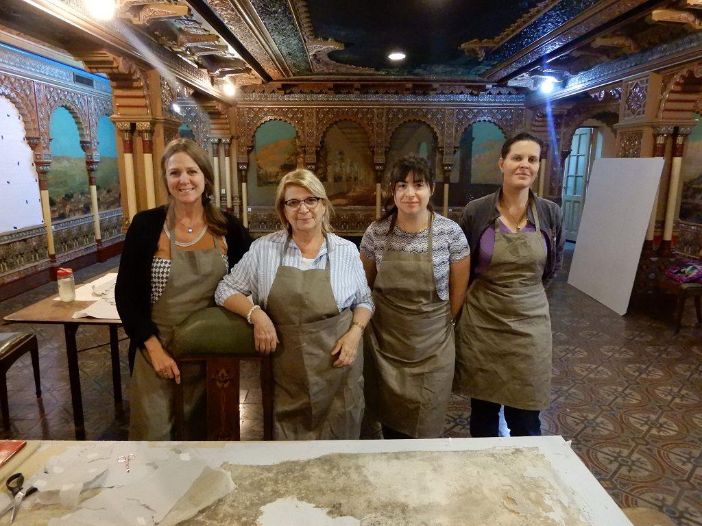Estela Court y su equipo de restauradoras