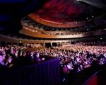 El Teatro del Bicentenario atrae a miles de turistas que llegan a San Juan