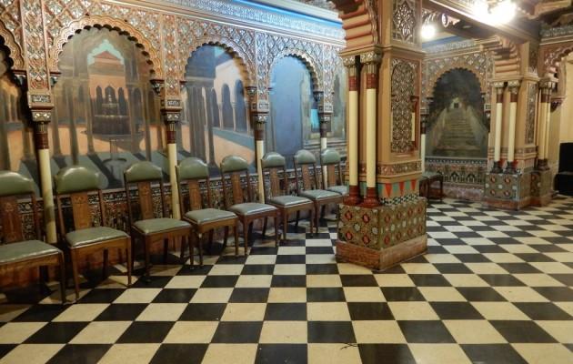 El Club Español recupera su brillo de antaño con la restauración del Salón de la Alhambra