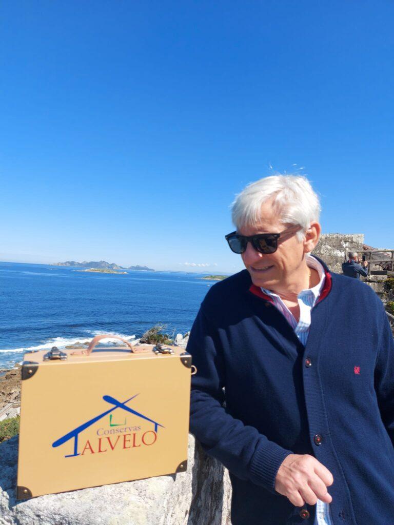 Miguel Ángel Alvelo, el escritor detrás de Conservas Alvelo, un producto de Galicia para el mundo