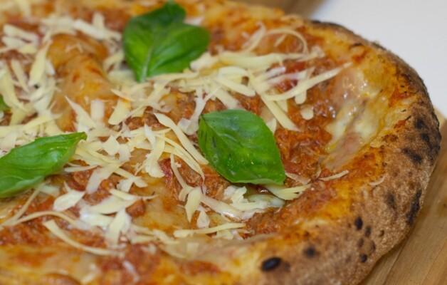 Núvola, la vera pizza napoletana, renueva su carta con productos de estación